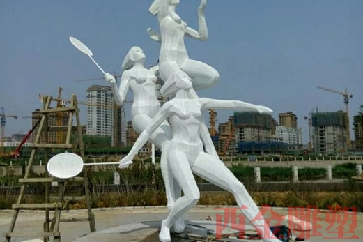 体育场雕塑